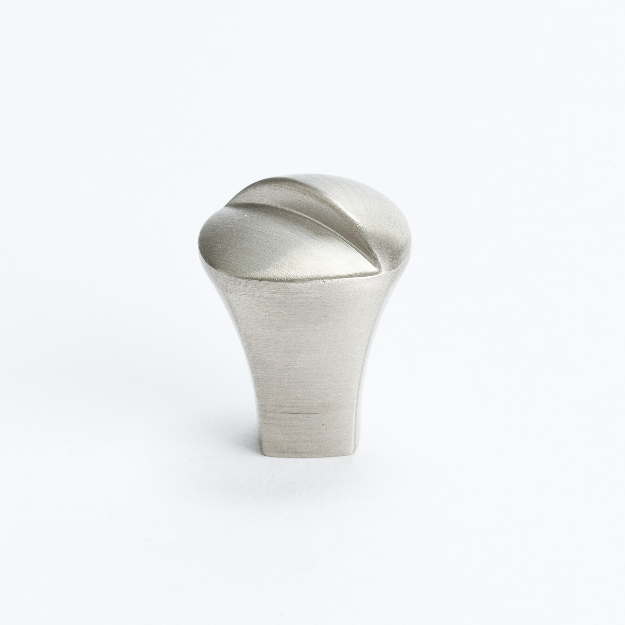 Knob (Brushed Nickel) - 13/16""